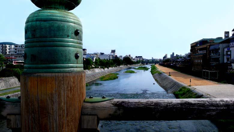 三条大橋の欄干の擬宝珠
