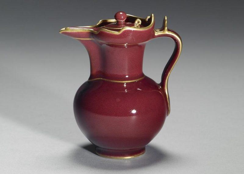 寶石紅 僧帽壺(清 乾隆窯)