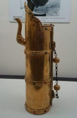 チベットの黄金製茶器(国立故宮博物院)