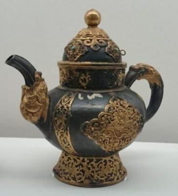 チベットのバター茶用ポット