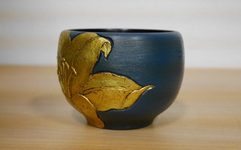 鎌倉彫の茶碗(三橋鎌幽)