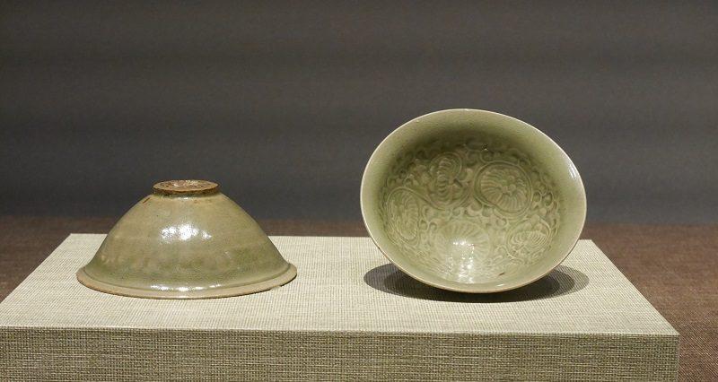耀州窯_青瓷印花菊花文茶碗(宋時代)