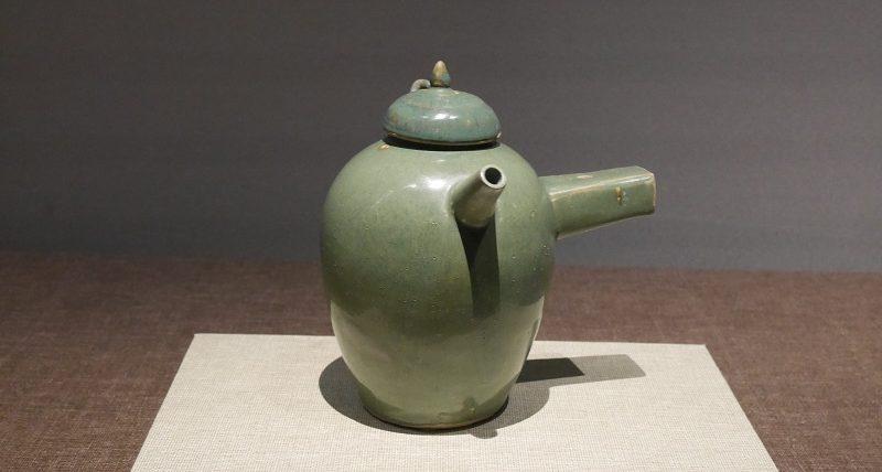 長沙窯_緑釉箪柄壺(唐時代)